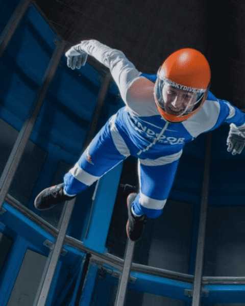 Indoor skydive actiefoto